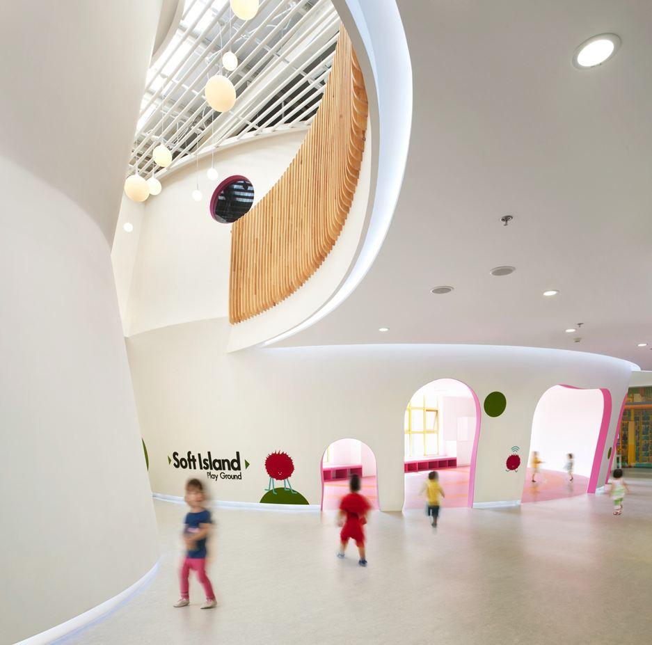 Architectuur voor kinderen, gekke vormen, witte muren