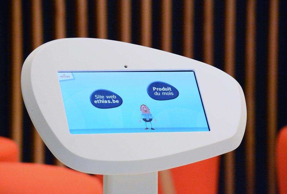display blanc pour tablet de forme organique