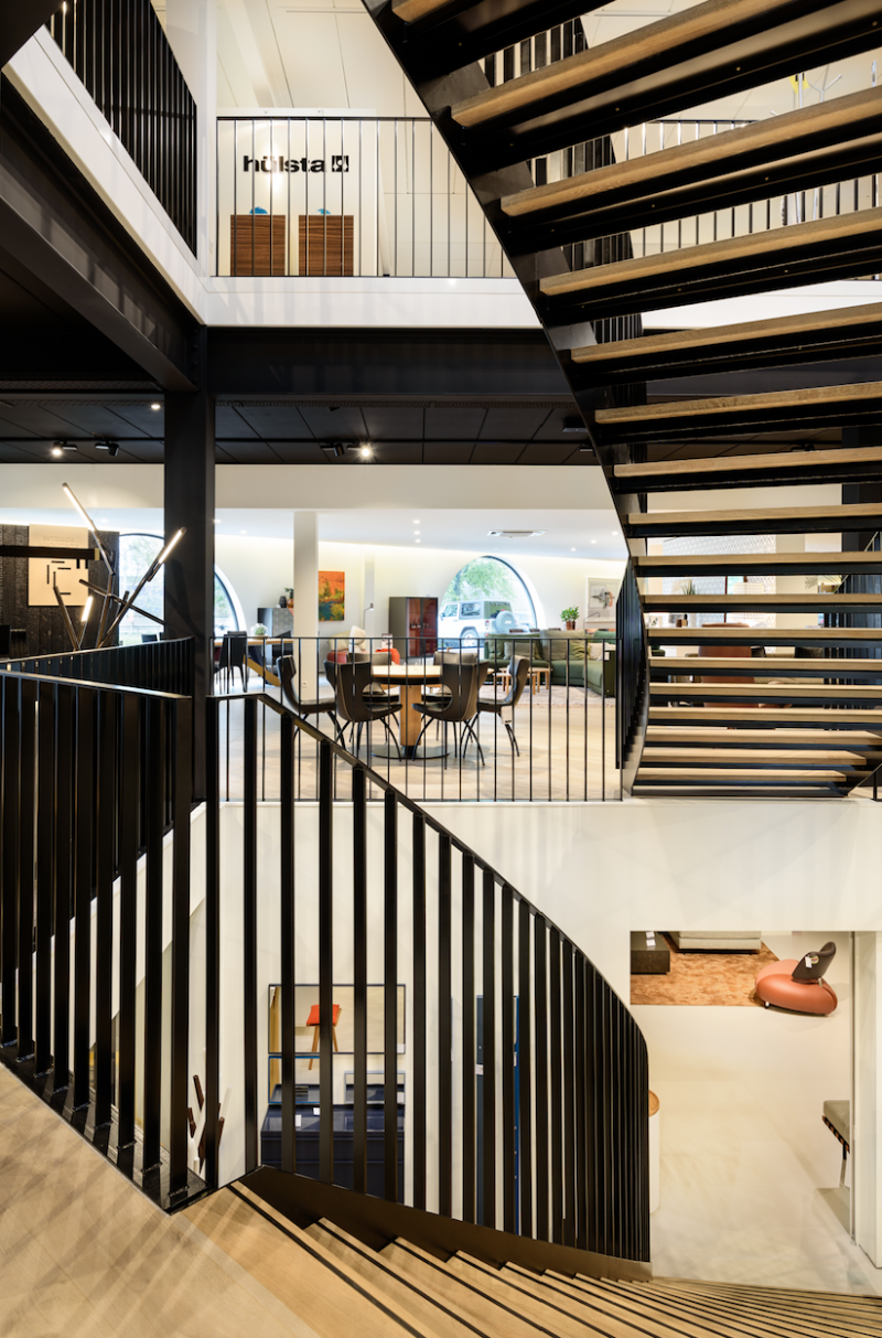 staircase in black & wood